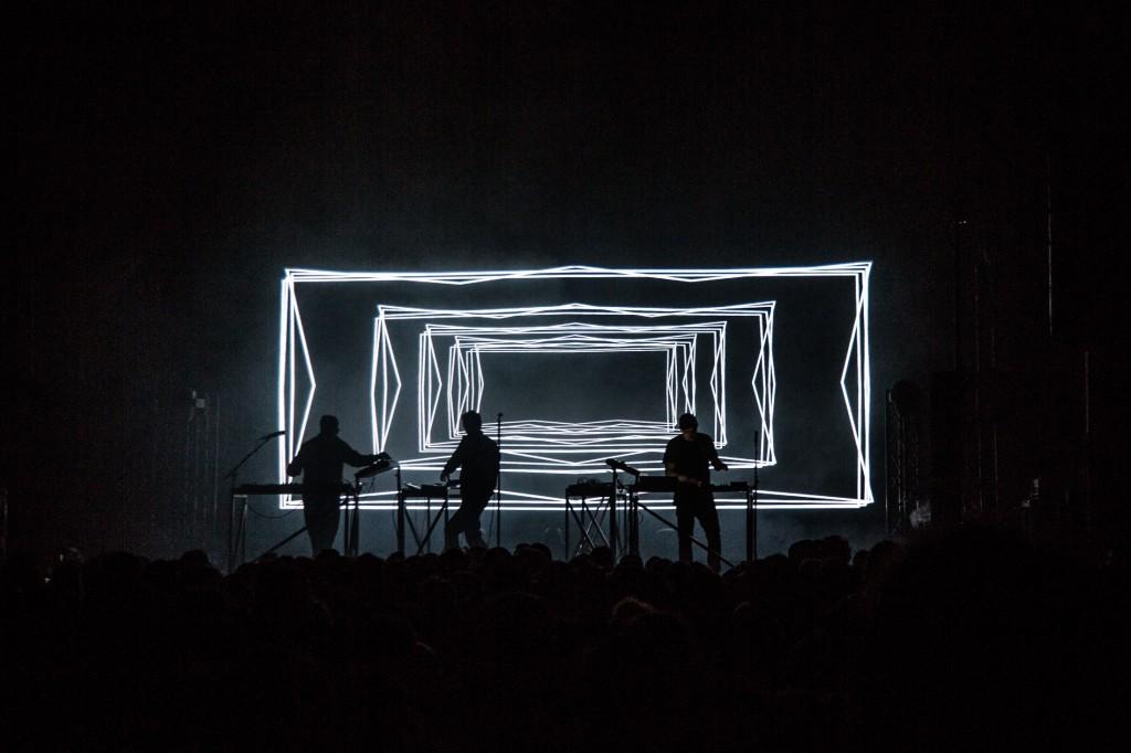 moderat-live-8800
