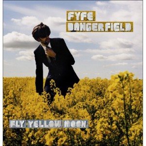 fyfe-dangerfield-fly-yellow-moon-4929631